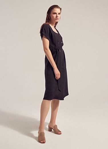 Monamoda Kruvaze Düğmeli Keten Karışımlı Elbise Siyah